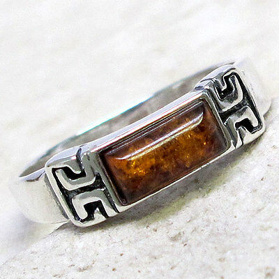 LOVELY BALTIC AMBER 925 STERLING SILVER RING SIZE 6