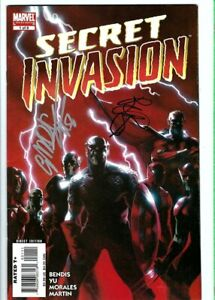 Secret-Invasion-1-signed-by-Brian-Michael-Bendis-and-Gabriele-Dell-Otto