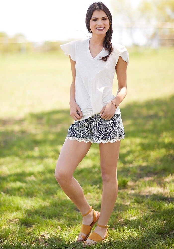 Matilda Jane Joanna Gaines Hello Darlin' Shorts Size Small NWT Women's bluee Lace