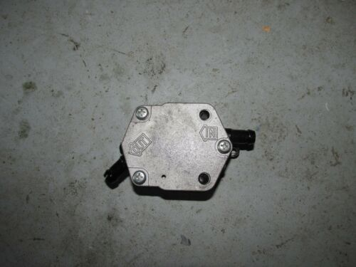 1995 Yamaha Outboard 225 hp Saltwater series 2 OX66 fuel pump 6E5-24410-03-00