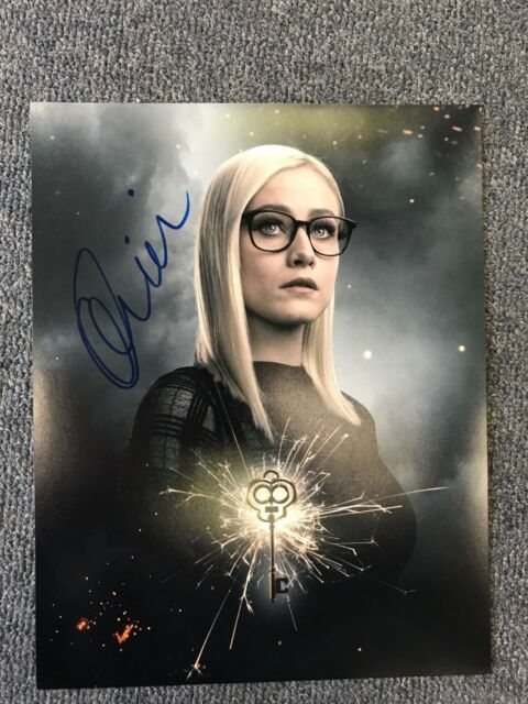 The Magicians Olivia Taylor Dudley Autographed Signed 11x14 Photo COA