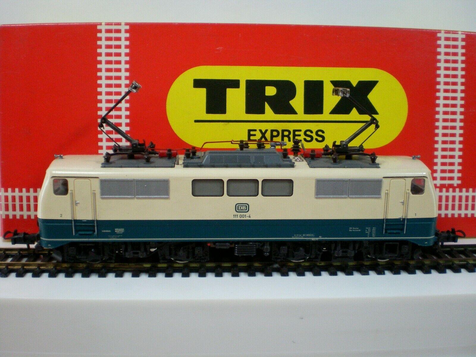 TRIX Express Ho 2253 (297) Locomotore 11 001-4 DB con luci scatola originale