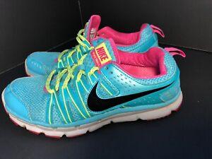 Womens Size 6.5 Nike Flex Trail 2