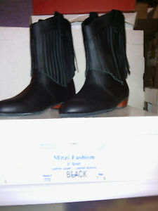 MITZI-FASHION-BOOT-BLACK-lady-039-s-8-1-2-wide-WITH-FRINGE-new-in-box