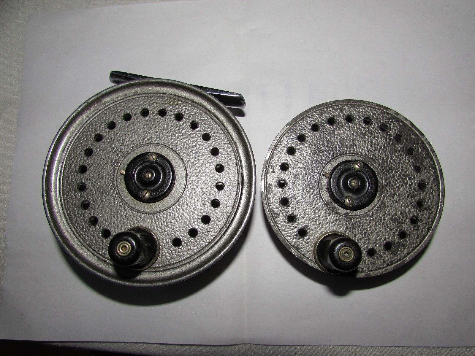 V good vintage youngs beaudex salmon fly fishing reel 4   + lineguard + spool  high quality & fast shipping
