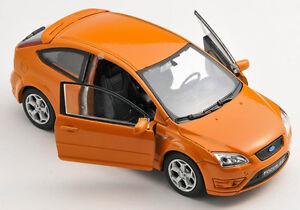 BLITZ-VERSAND-Ford-Focus-ST-orange-Welly-Modell-Auto-1-34-NEU-amp-OVP-1