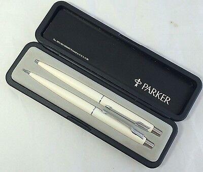 Vintage PARKER Classic Matte White Ball Pen And Pencil Set