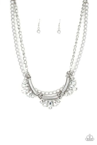 Paparazzi Bow Before The Queen Silver NECKLACE NWT #1472