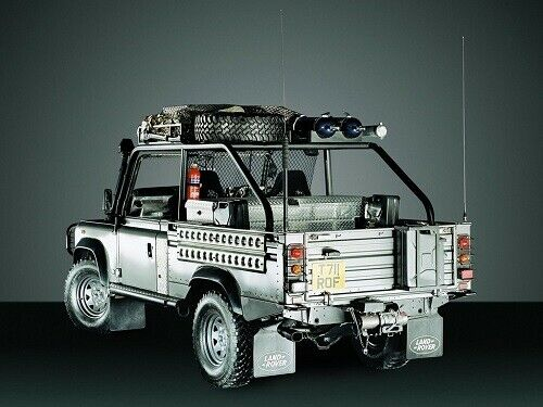 RETRO POSTER PRINT CLASSIC ADVERT A3 LAND ROVER DEFENDER 110 V8 /'TOMB RAIDER