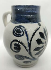 Vintage-Colonial-WILLIAMSBURG-Pottery-Approved-Souvenir-Salt-Glaze-Cobalt-jug