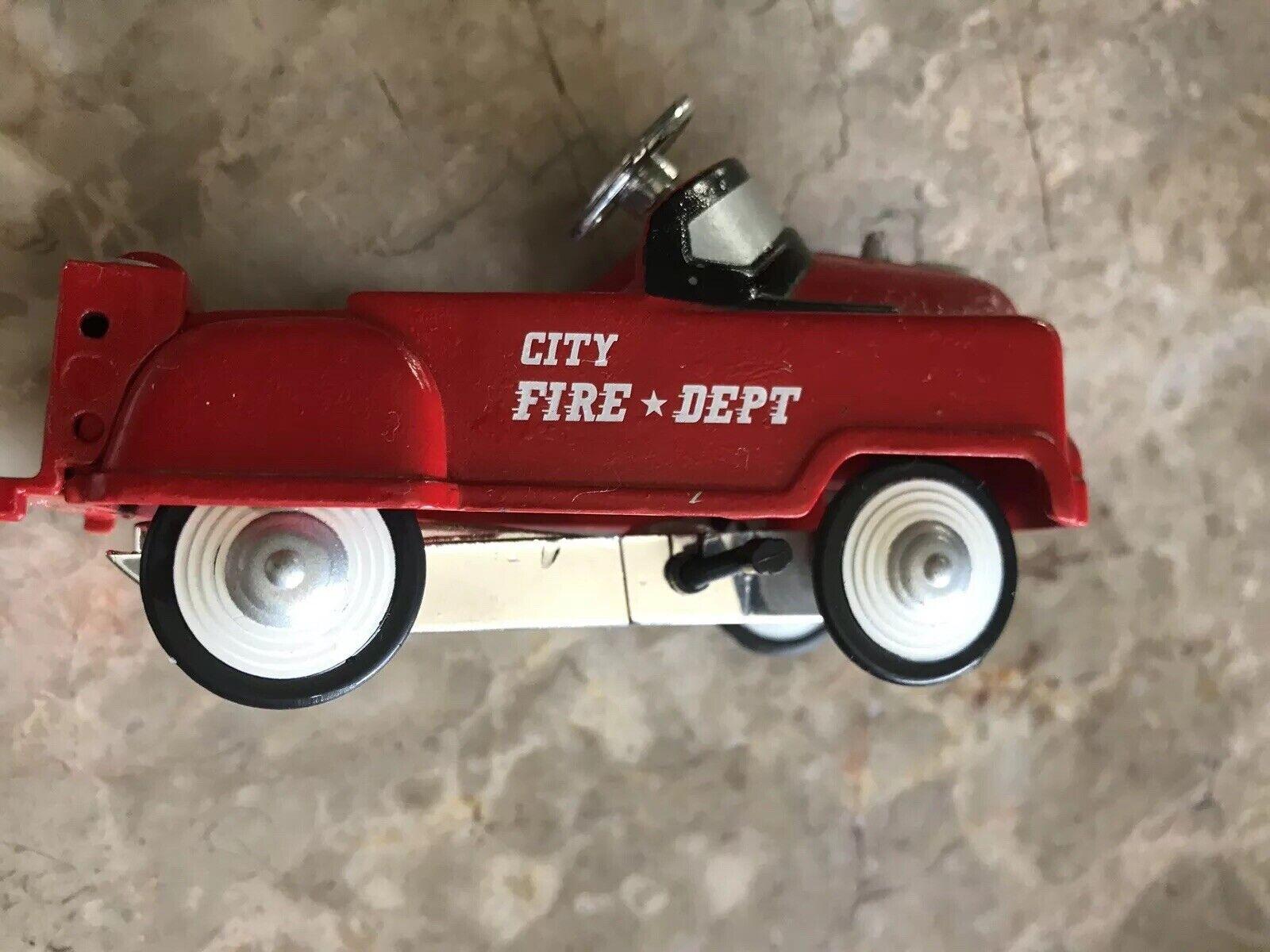 VERY RARE VINTAGE CAR CITY FIRE DEPT Color rojo