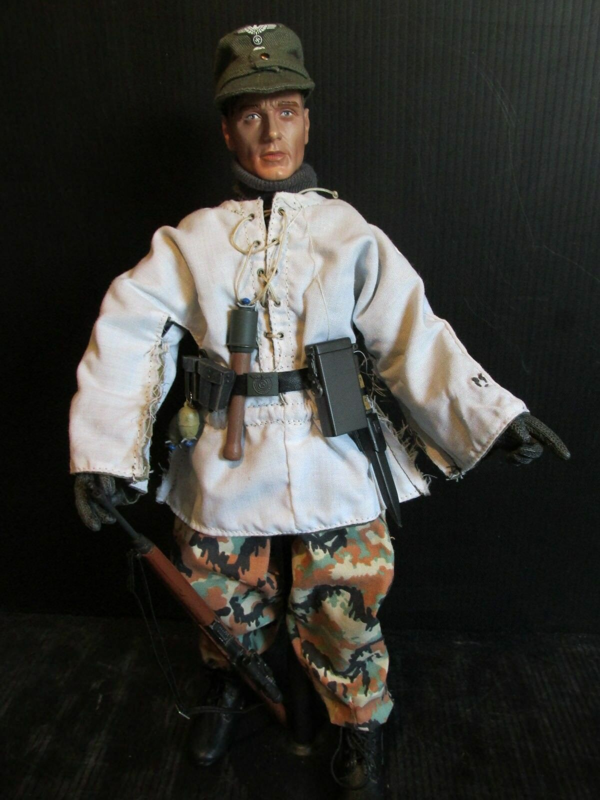 DRAGON DiD.CO 1 6TH scale figure WW 11 German Soldier (C)