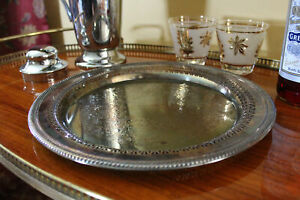 Vintage-Silver-Tray-Round-Tarnished-Wm-Rogers-Farmhouse-Tray-Cocktail-Tray