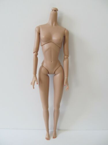 """INTEGRITY TOYS POPPY PARKER 12/"""" ARTICULATED BODY FR WHITE SKIN TONE"""
