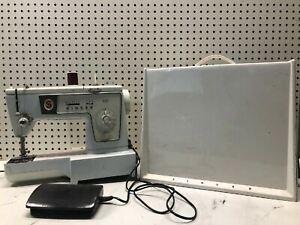 Singer cases machine old sewing Singer Bobbin