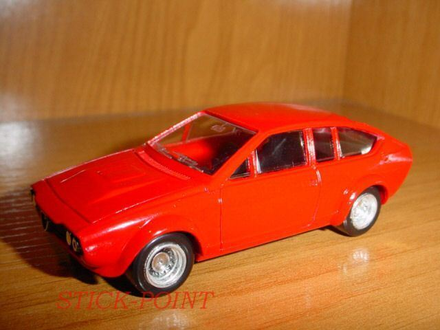 ALFA ROMEO ALFETTA GTV RED 1974 1:43 WITH BOX