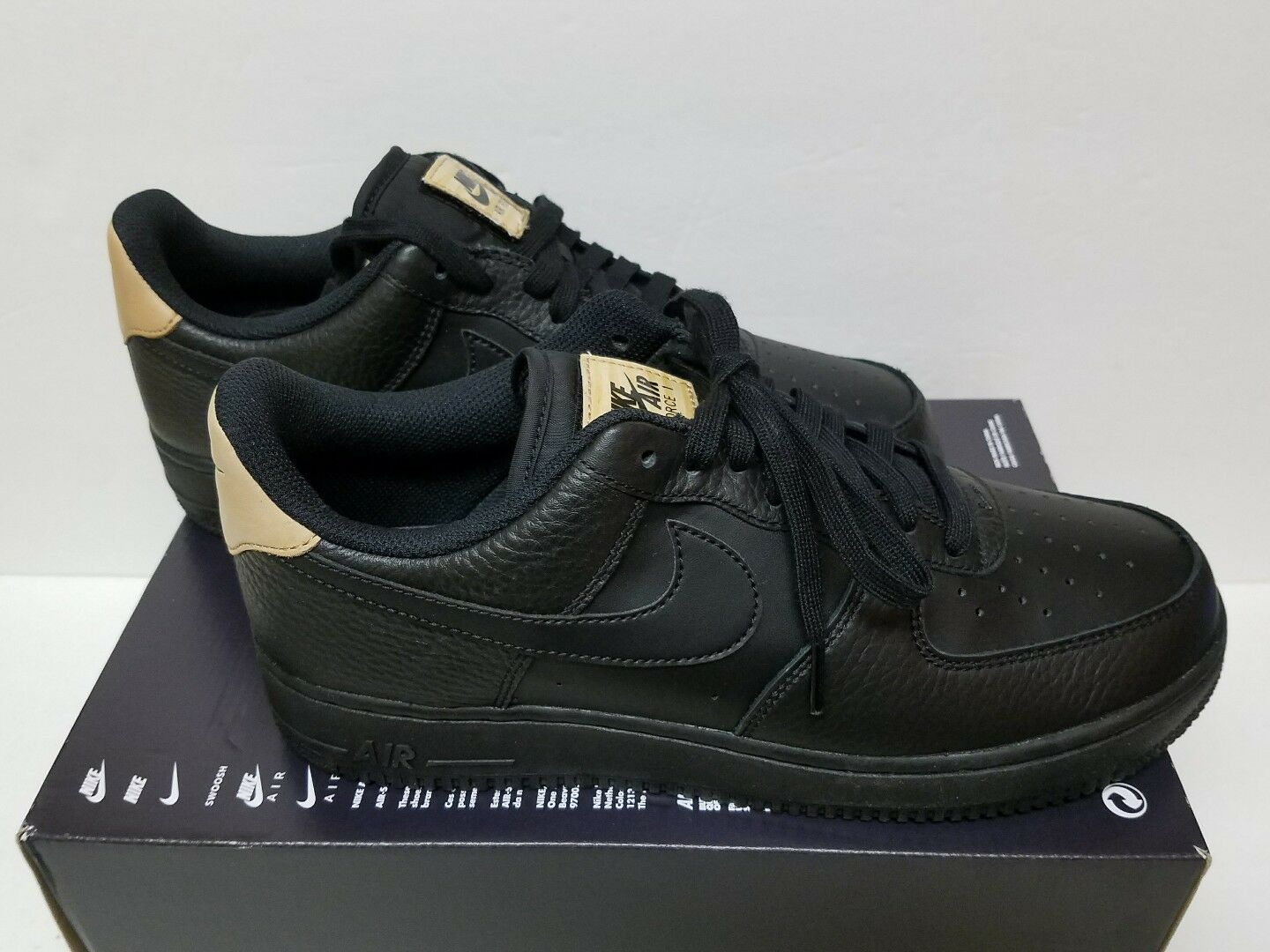best-selling model of the brand Nike Air Force 1 '07 LV8 Comfortable