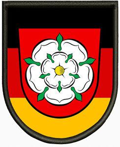 Wappen-von-Rosenheim-Aufnaeher-Pin-Aufbuegler