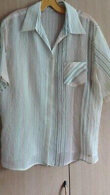 42 hellgrüne KA-Bluse mit Brusttasche Gr Neu
