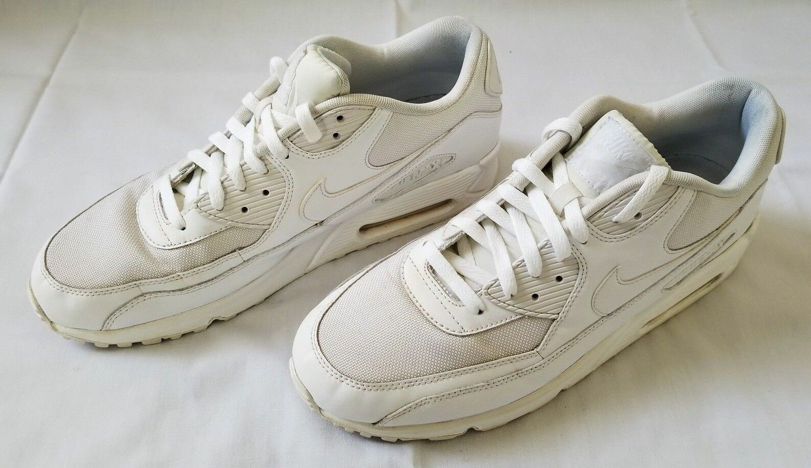 Mens Sz 12.5 White Air Max 90 Essential Running shoes 537384-111 preowned