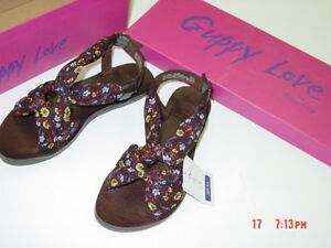 Nwt Womens Guppy Love Paisley Print Sandals Browns Floral