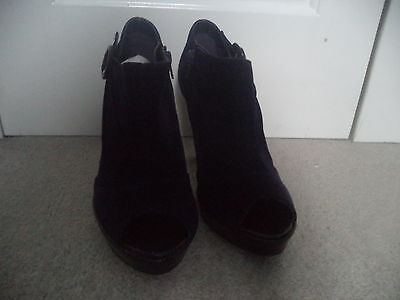 F&F Suede Shoes (Size 7) NUEVO