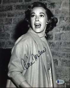 Vera-Miles-Hand-Signed-Bas-Beckett-Coa-8x10-Photo-Autographed-Authentic