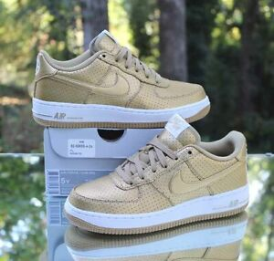 Nike Air Force 1 Low Lv8 Gs Size 5y Metallic Gold White 820438 700