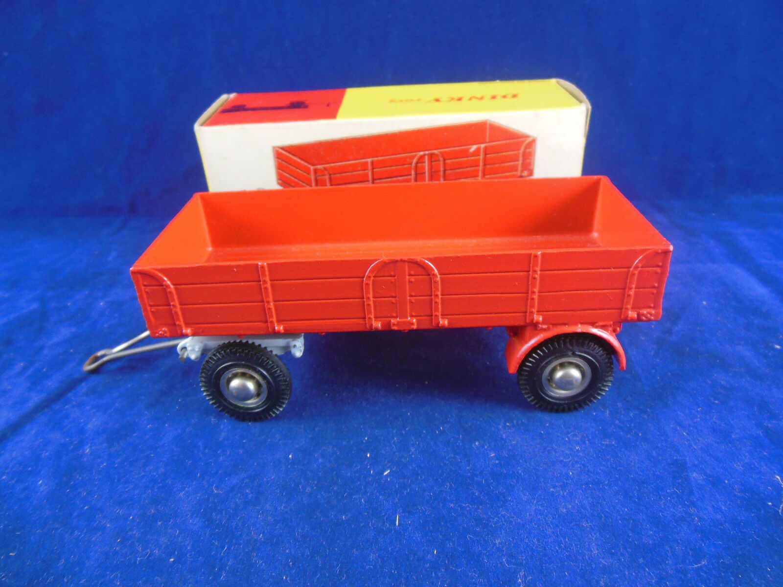 Dinky Toys 428 Large Trailer red Bogie Wheel pivot Exceptional Original & Superb