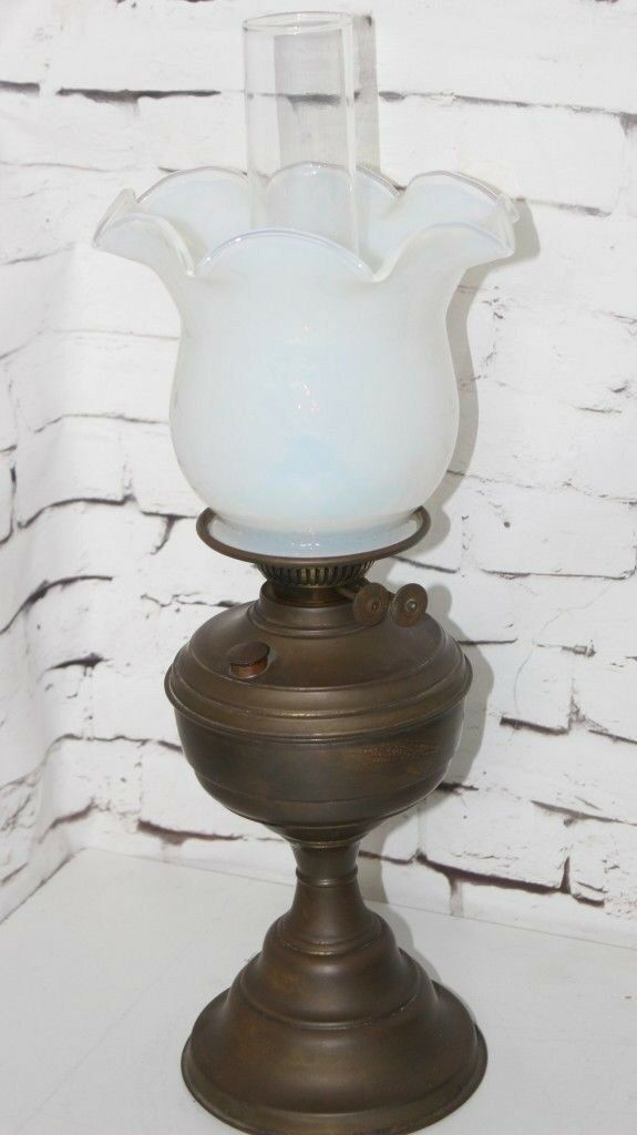 VICTORIAN OPALESCENT   VASELINE  OIL LAMP & SHADE -PL-4132