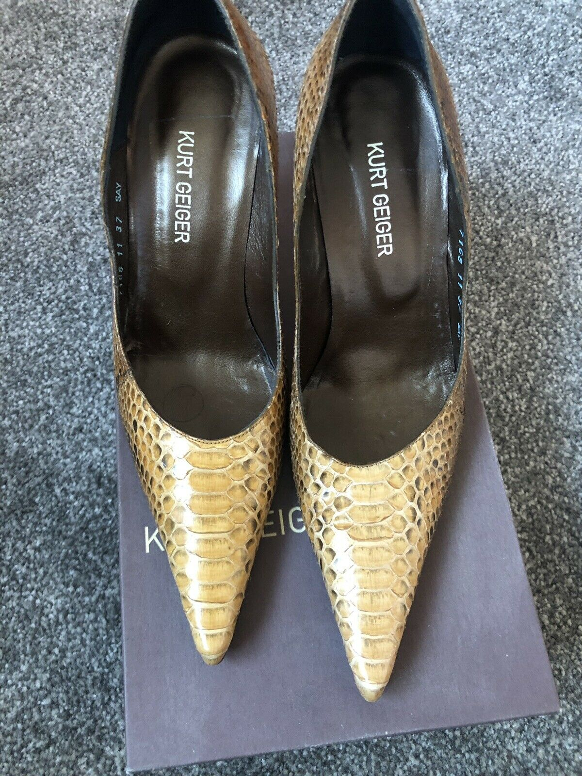 Kurt Geiger Snake Skin Court Heels With Leather Leather Leather Sole Größe 4 Brand New In Box 049cab