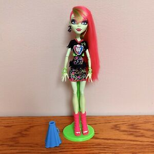 Monster-High-Ghoul-Spirit-Venus-McFlytrap-Doll-With-Accessories