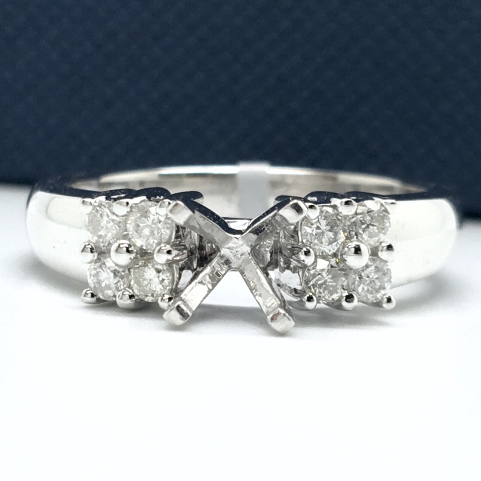 18k White gold Semi-mounting Diamond Ring. Total Diamond Weight 0.31ct