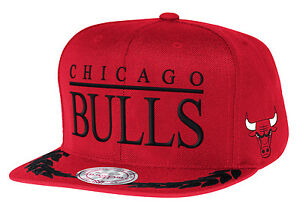 7658ee0eb57 Image is loading CHICAGO-BULLS-mitchell-and-ness-SNAPBACK