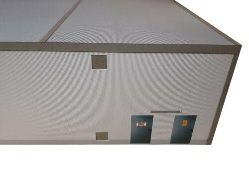 Kartonmodellbausatz 1:50 Fahrzeughalle