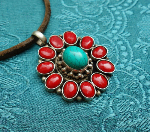 Tolles AMULETT aus Nepal mit LOTUS Flower Silber+Türkis
