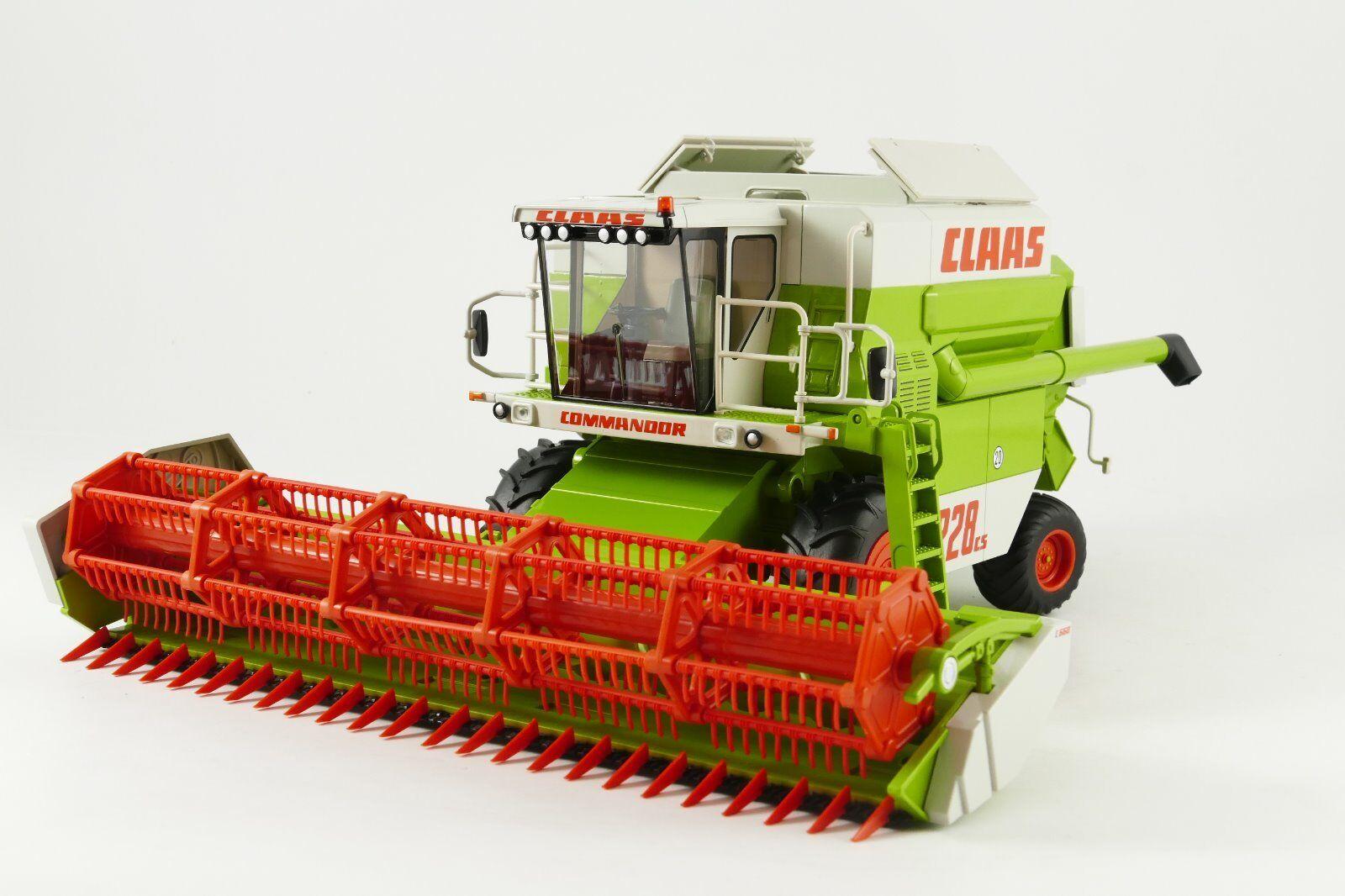 Claas Commandor 228CS op wielen