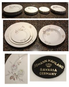 VINTAGE-Johann-Haviland-Dinnerware-DAWN-ROSE-White-Roses-19-Piece-Germany