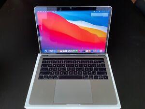 2017-Apple-MacBook-Pro-Laptop-13-034-Retina-3-5-GHz-i7-1TB-SSD-16GB-Touch-Bar-ID