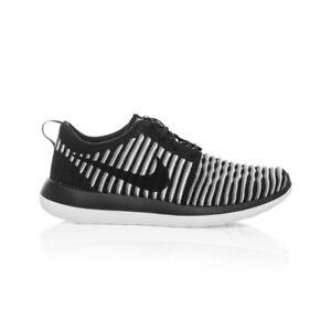 4d4f51c18e6b Nike Roshe Two Flyknit Women s shoe - Black White Cool Grey Black
