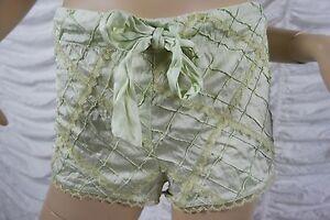 FLEUR-WOOD-sage-green-100-silk-diamond-textured-lace-trim-shorts-size-3-12-EUC