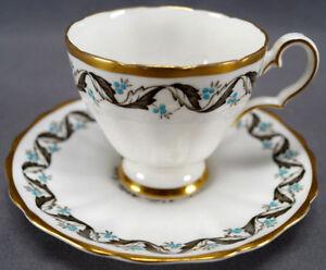 Vintage-Grosvenor-Camellia-4959-Blue-Floral-amp-Gold-Tea-Cup-amp-Saucer