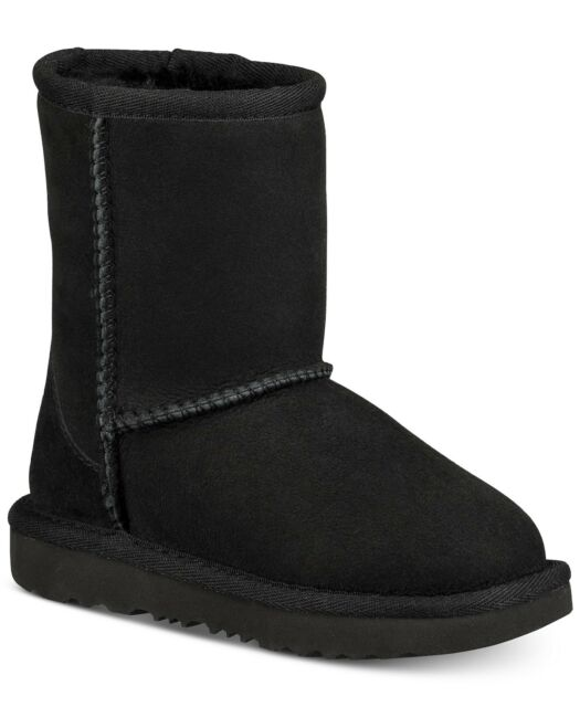 d97166914e7 UGG Australia Girls' Classic II Sheepskin Fashion Boot Black 3 Little Kid