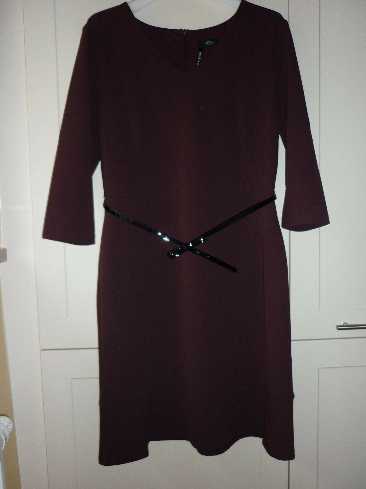 Kleid s.Oliver rot weinrot schwarz lack Etuikleid Gr. 42 40