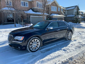 2011 CHRYSLER 300 LIMITED - LOW KMS