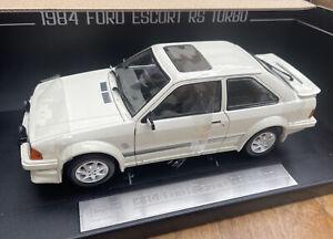 RS Turbo 1:18 FORD ESCORT diecast model car white or black SUNSTAR 4963R 4964R