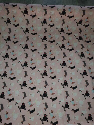 """1m Bebé Rosa multicolores 100/% Algodón Tela Perro impresión 44/"""" de ancho"""