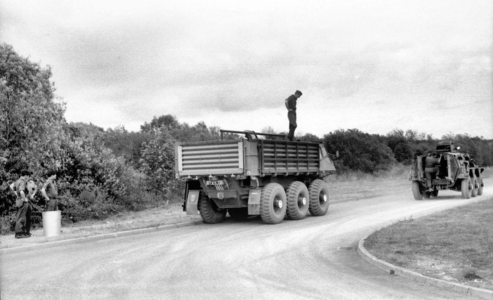 BRITISH ARMY ALVIS SARACEN AND STALWART   Military Photo Print