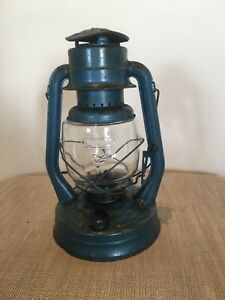 oil lantern lamp hurricane storm glass