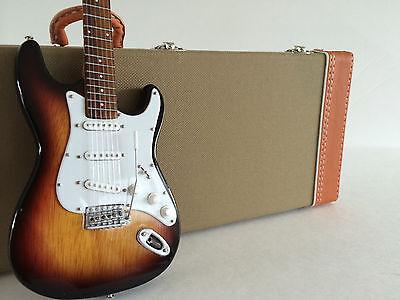 Officially Licensed Fender Stratocaster Sunburst with Tweed Case Miniature Set